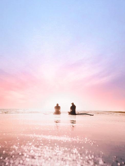 Ein Sonnenuntergang in der Trendfarbe 2020 Lila.