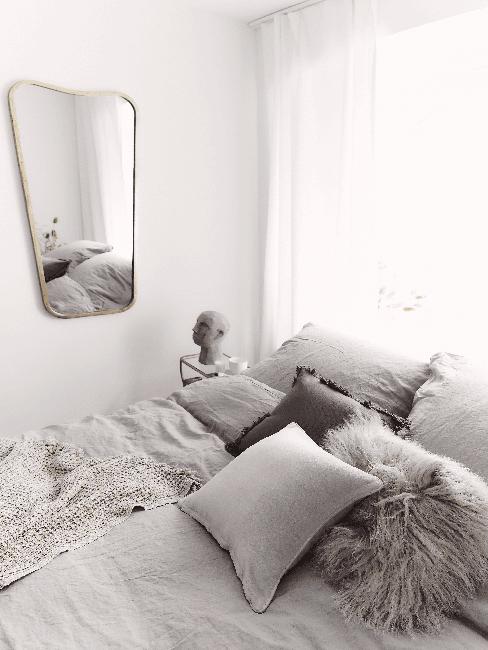 Kleines Schlafzimmer einrichten mit Spiegel