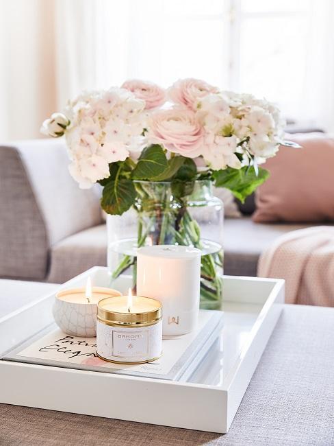 Blumen Tischdeko Blumenstrauß weiß mit Kerzen