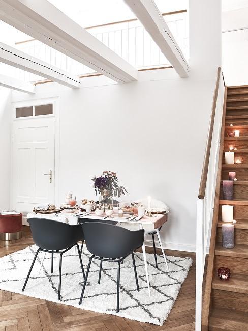 Designer Esszimmer schwarze Stühle