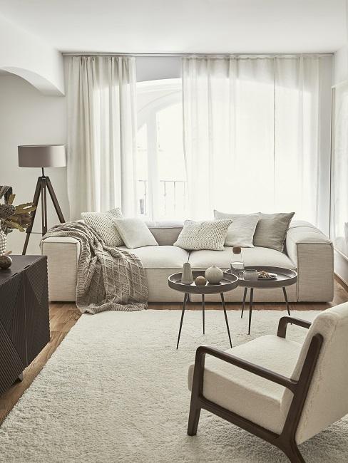Cremefarbenes WOhnzimmer im Scandi Style