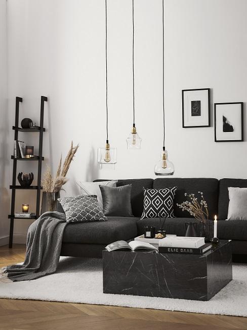 Schwarzes Wohnzimmer im Scandi Style