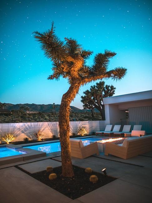 Dachterrasse mit Pool, Sonnenliegen, Loungemöbel und Feuerstelle