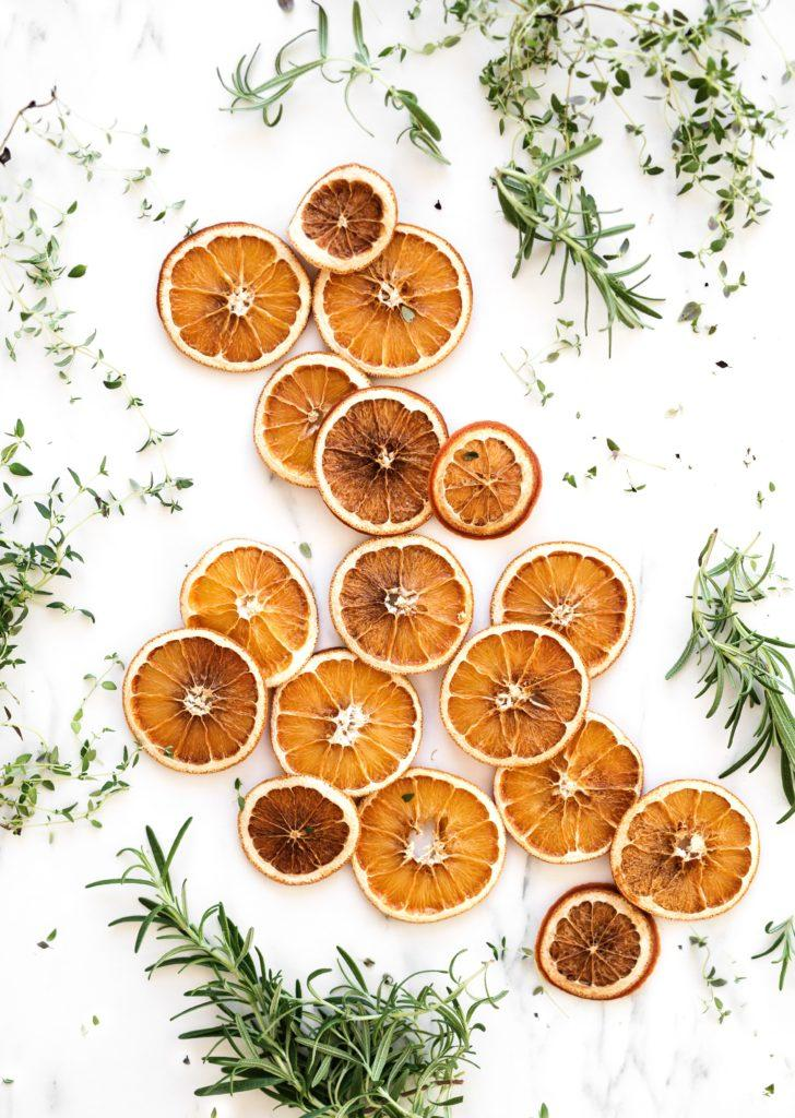 Oranges séchées avec romarin