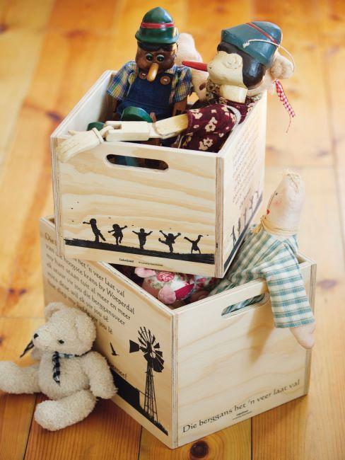 Deux boîtes de rangement en bois pour jouets