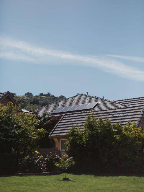 Maison avec panneaux solaires