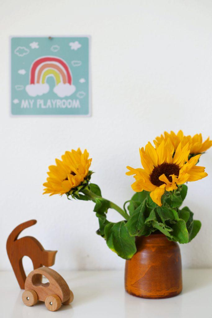 fleurs tournesol, jouets en bois, deco chambre montessori