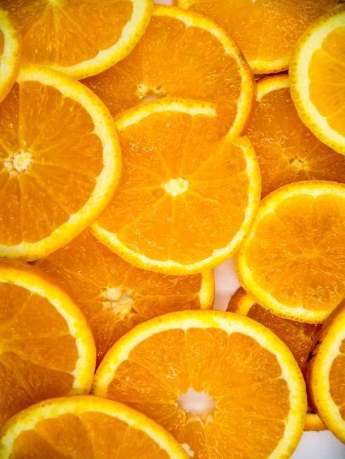 Sinaasappelschijven van boven gefotografeerd