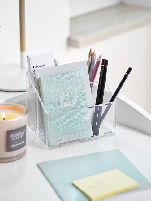 Organizer na biurko z notesem i przyborami do pisania