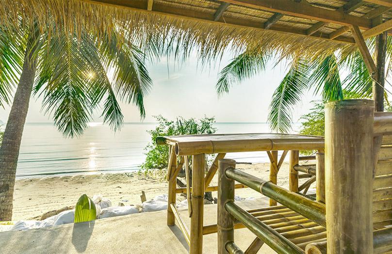 Surf al femminile - Un bungalow sulla spiaggia