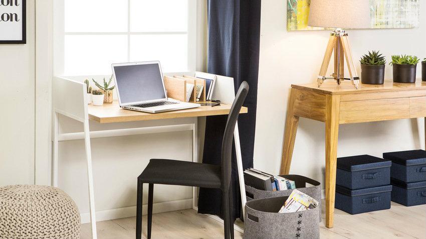 Designový psací stůl