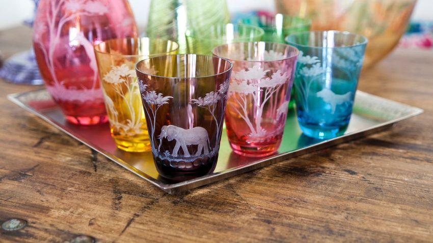 Farebné poháre