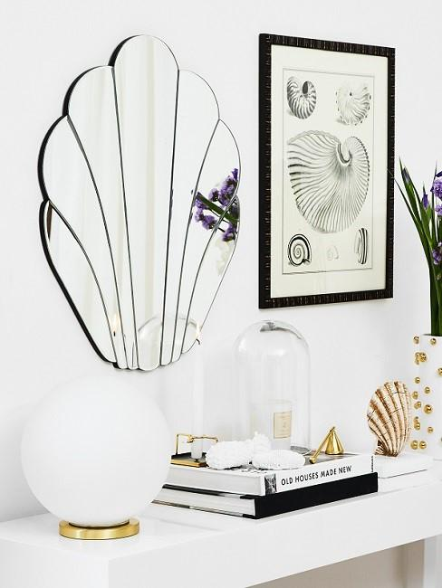 Shell decoration mirror