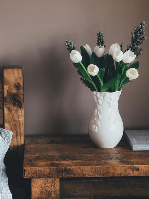 tulipani bianchi in vaso