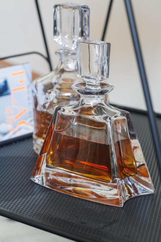 Szklana buteleczka z alkoholem