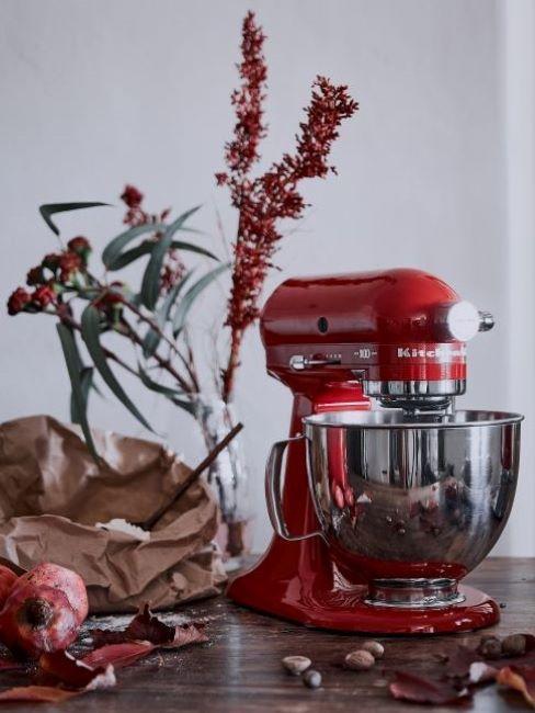Czerwony robot planetarny kitchenAid