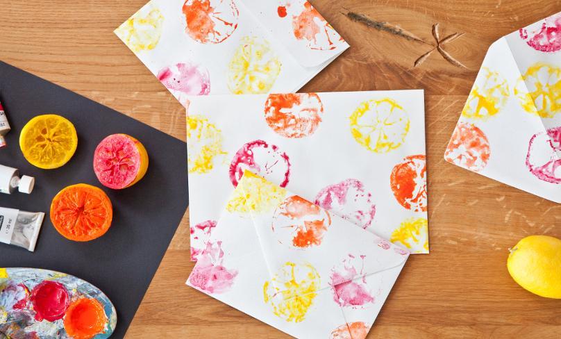Estampado de limones en papel