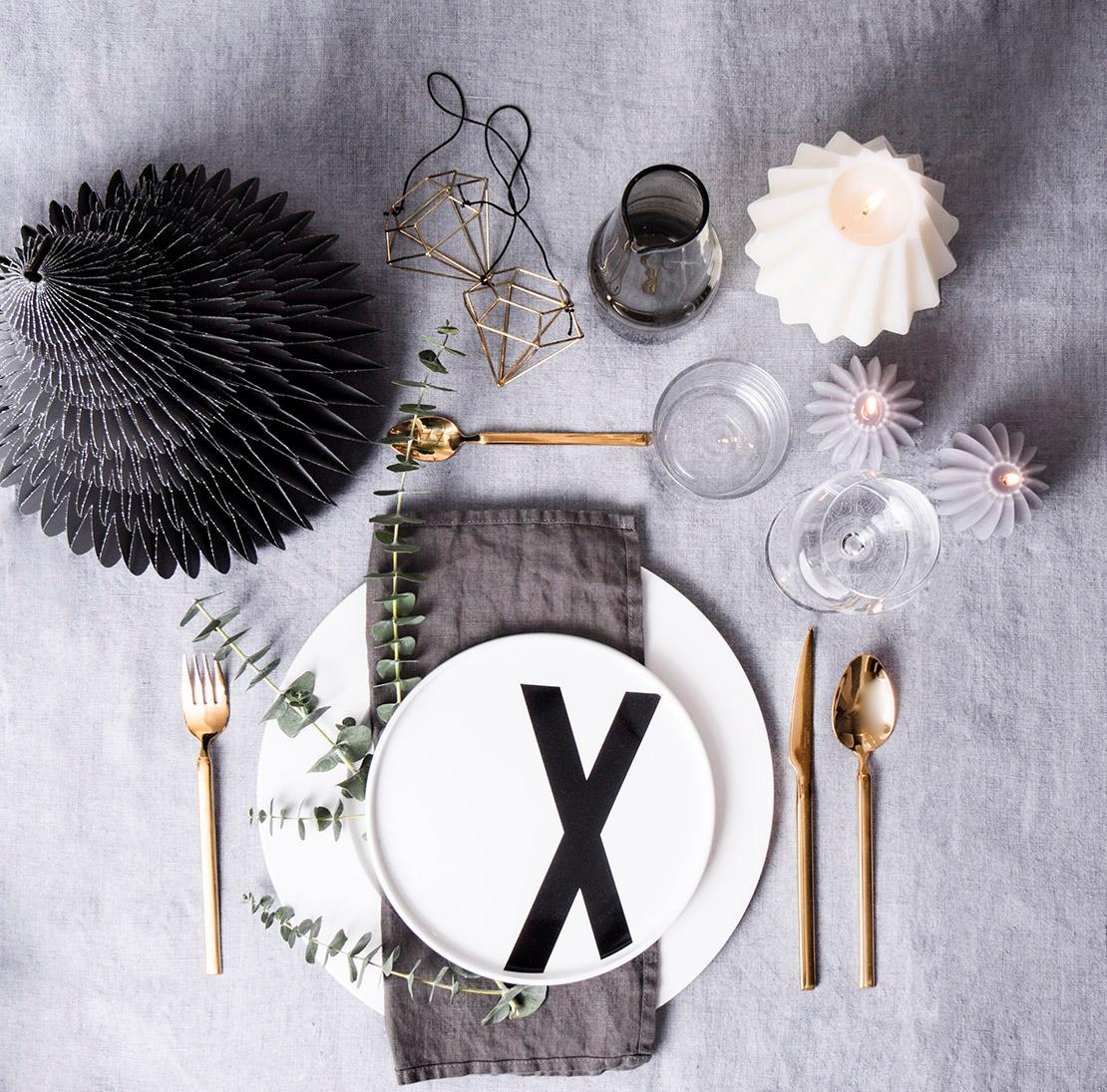 Decoración de mesas de fiesta gris