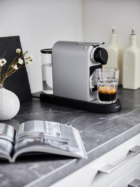 Nespresso Kaffeemaschine in der Küche