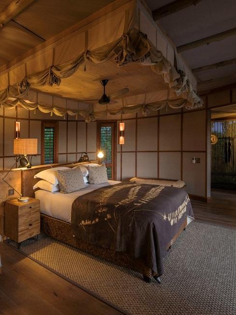 Mombo Camp Zimmer Bett