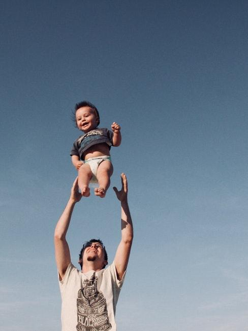 papà e figlio piccolo