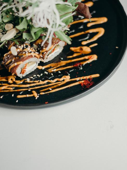 Talerz z sushi