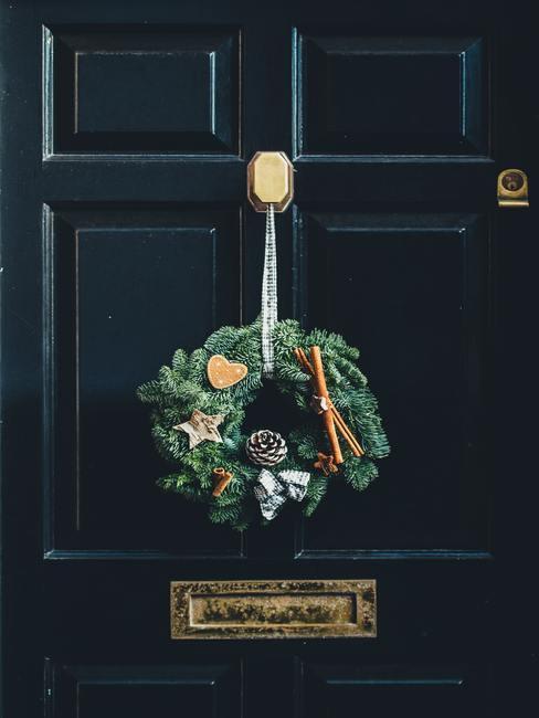 Wieniec jaki dekoracja świąteczna przed domem