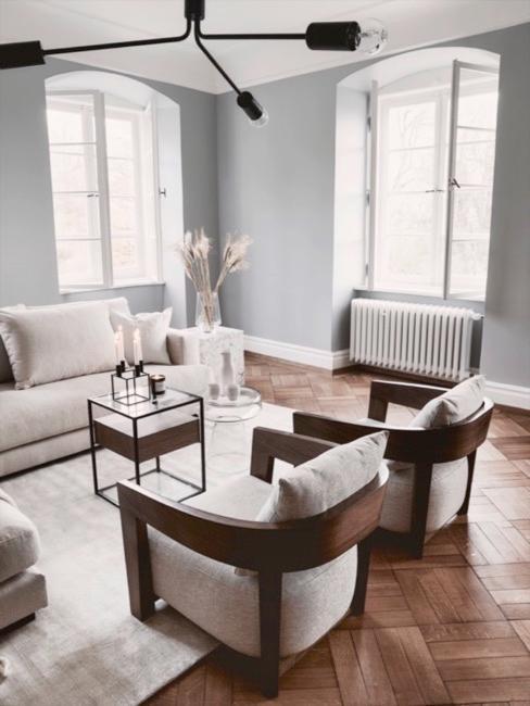 Woonkamer in scandinavische stijl in grijs en wit