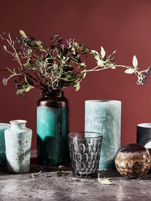 Vase de différentes tailles, formes et tonalités de turquoise