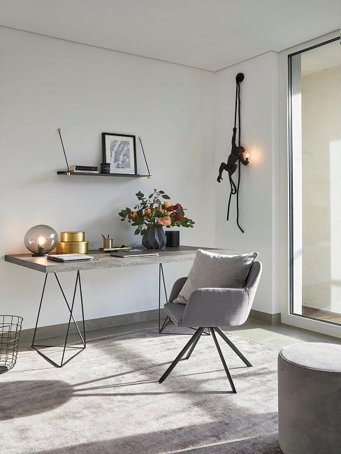 Designer Schlafzimmer mit Schreibtisch und Sessel