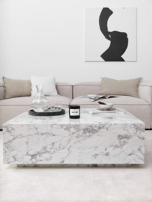 Wohnzimmer im Scandi Style mit Marmortisch