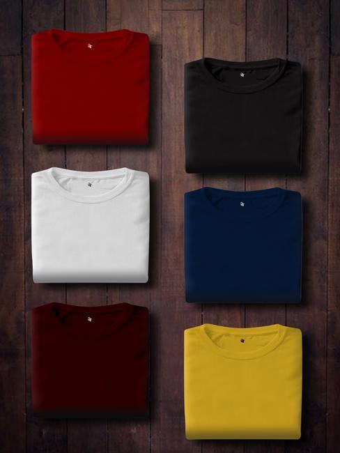 T-shirts pliés de différentes couleurs