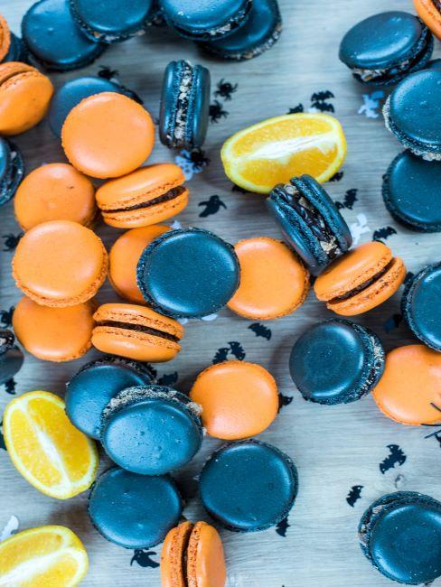 macarons pour halloween oranges et noirs