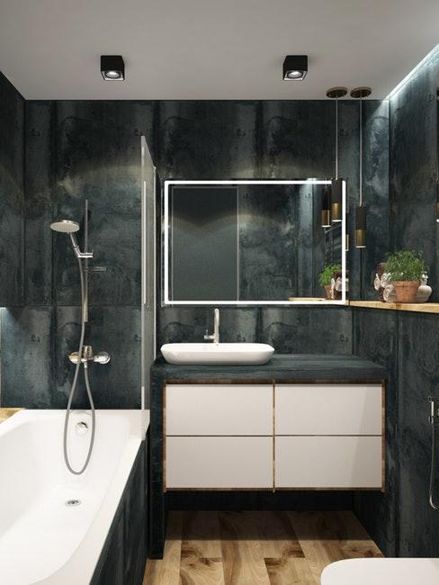come arredare un bagno: bagno moderno con parete grigio scuro