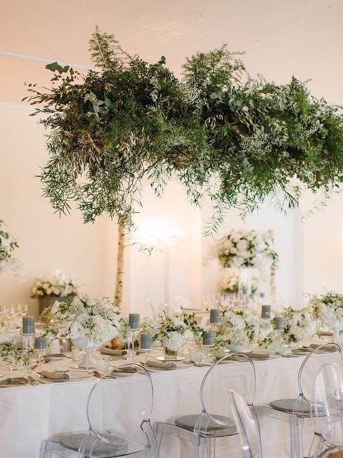 Tischdeko Hochzeit Hängepflanzen Blumen Vasen Kerzen