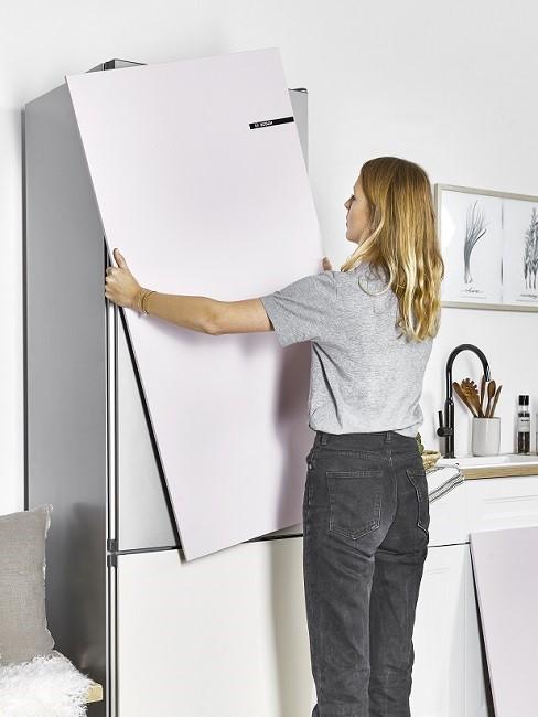 Küche selber bauen Frau Schrank Küchenzeile