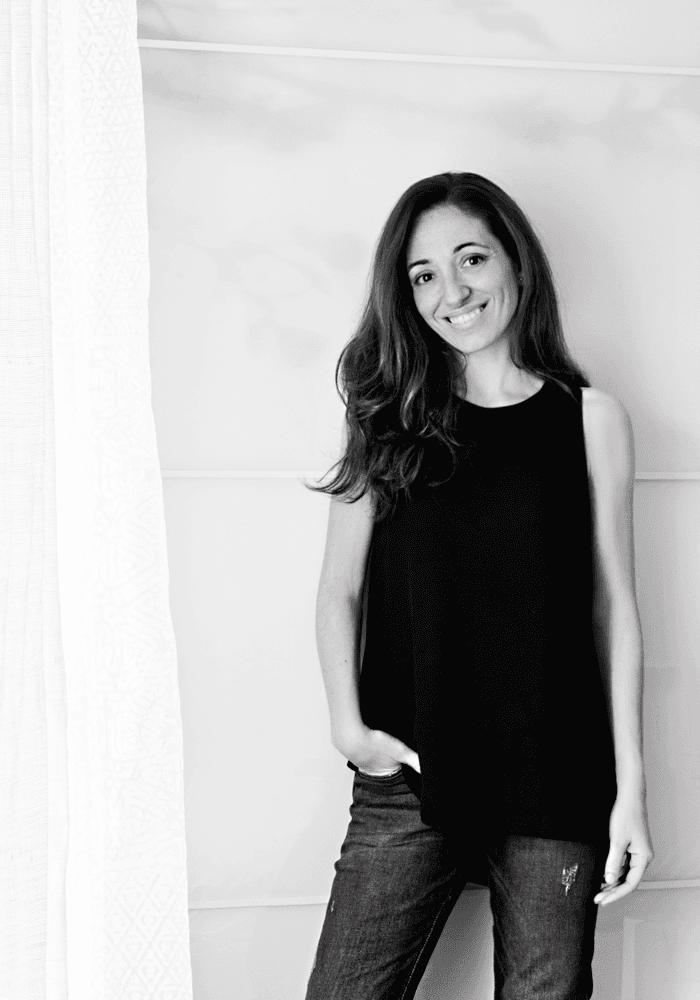 Laura, de Littlefew en blanco y negro