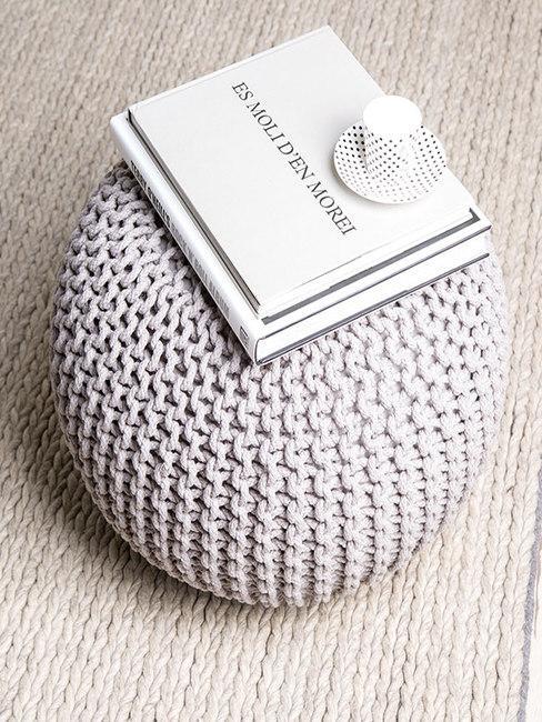 pouf en crochet gris