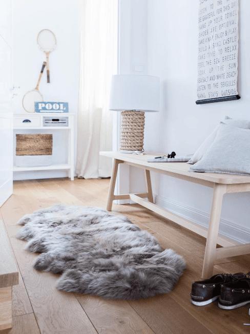 ingresso con tappeto in pelliccia sintetica