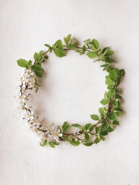 corona di fiori minimal