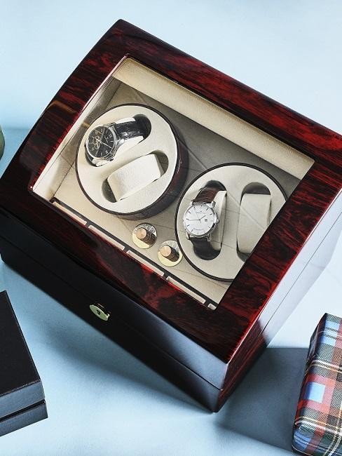 Cadeau manchetknopen en horloge persoonlijk huwelijkscadeau