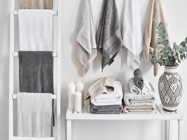 handdoeken in badkamer voorjaarsschoonmaak