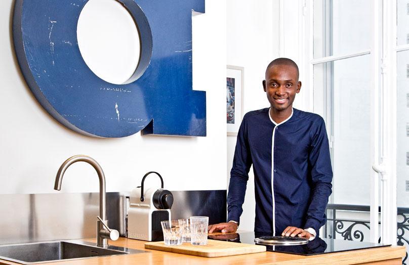 Zu Hause bei Alpha Sidibe