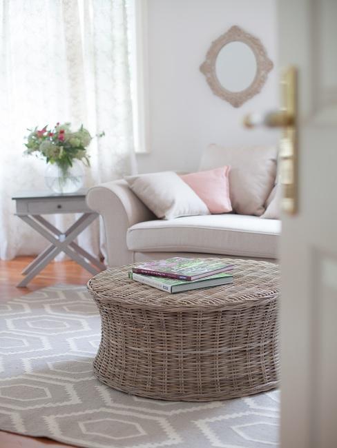 Landhausstil Couchtisch und Sofa
