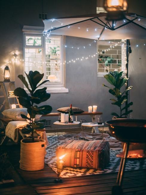 Exterior iluminado y decorado