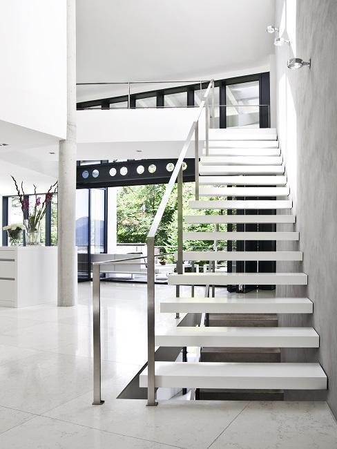 Escalier moderne blanc
