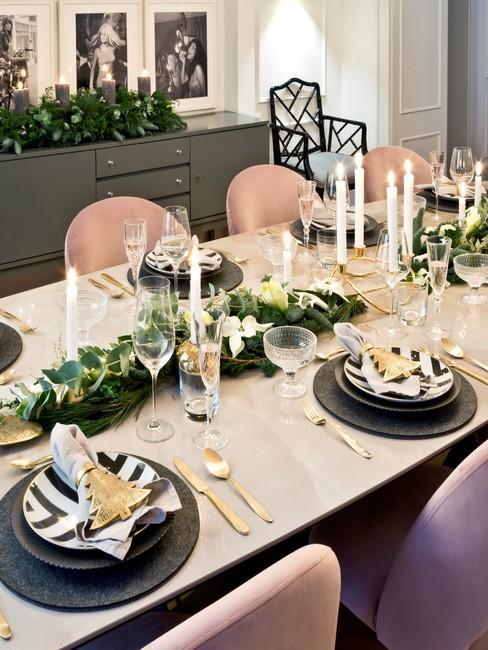 Nowoczesna dekoracja stołu na święta