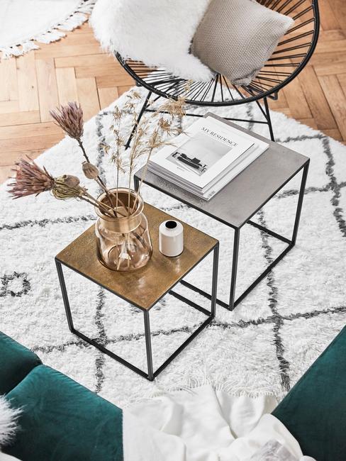Odkládací stolky v obýváku ve skandinávském stylu