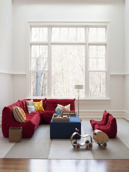 Děti v obývacím pokoji