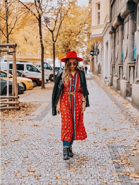 Autorka ze Style of Becca se prochází na ulici